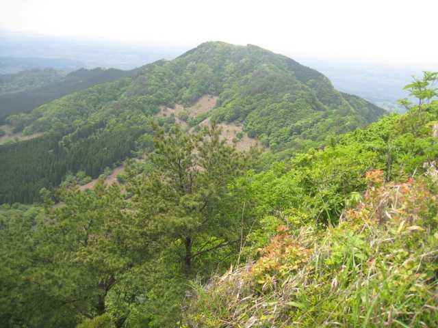 IMG_5059祠のコブよりムレ山を見る