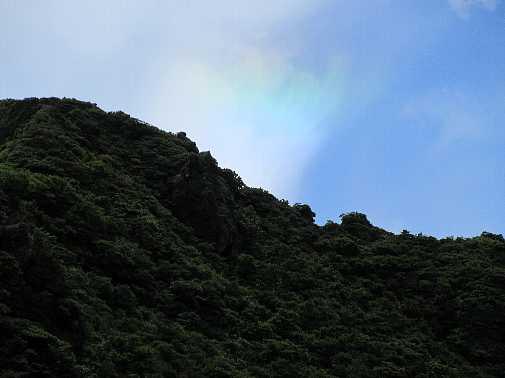 IMG_0042雲の右端が虹色に