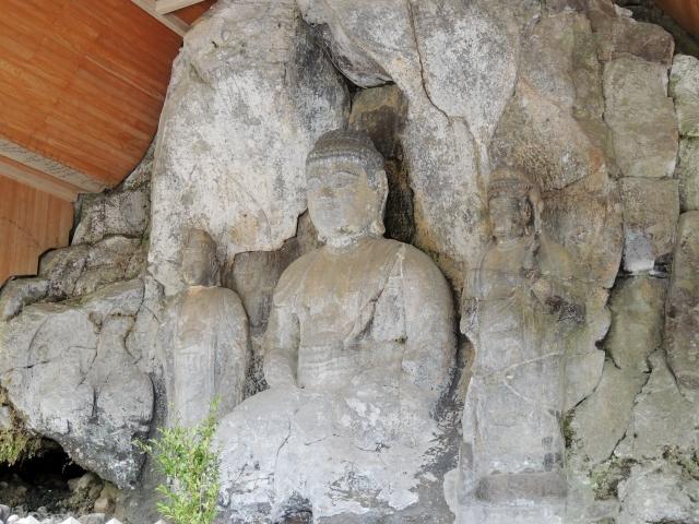 N5757臼杵石仏