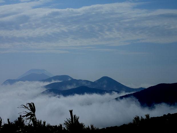 P6220081ニセコ連峰と羊蹄山w