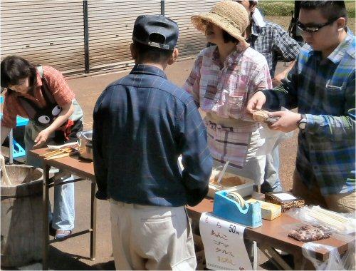 06b 20150607 bazaar01 rice-cake