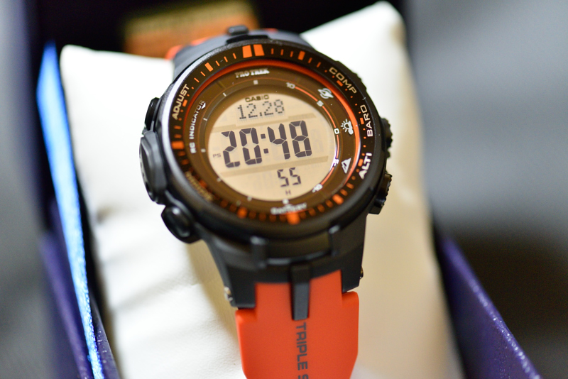 the latest d483f 2bde9 キャンプ・登山用の腕時計 CASIO PRO TREK PRW-3000 - キャンプ ...
