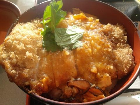 桃豚カツ丼1