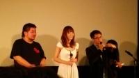 「サシミ」左から出演のタクヤさん、波多野結衣さん、パン・チーユエン監督。