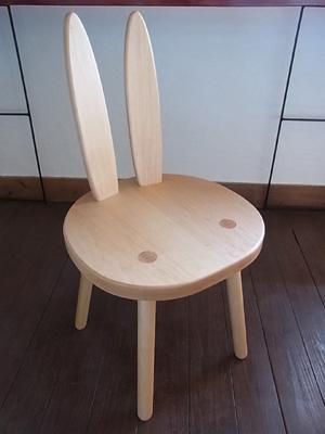 うさぎ椅子02