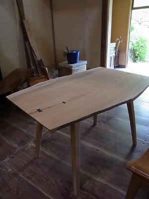 丸尾邸テーブル01