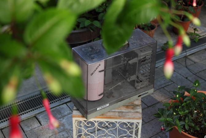 温室の温湿度計が会社と一緒