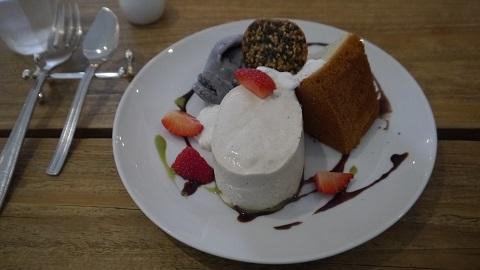 Cafe de Zaza (カフェ ドゥ ザザ)