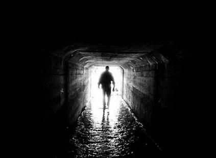 トンネル 灯り