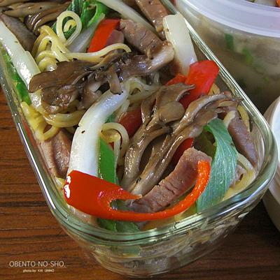 塩豚と白菜の焼きそば弁当02