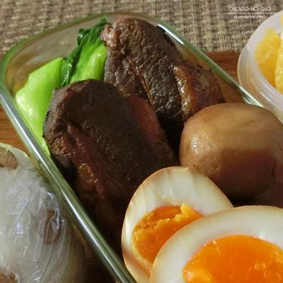 黒酢と八角の豚角煮弁当02