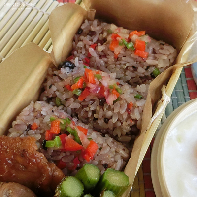 大戸屋流やさい穀米むすび弁当02