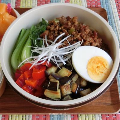 夏野菜の冷やし担々麺弁当02