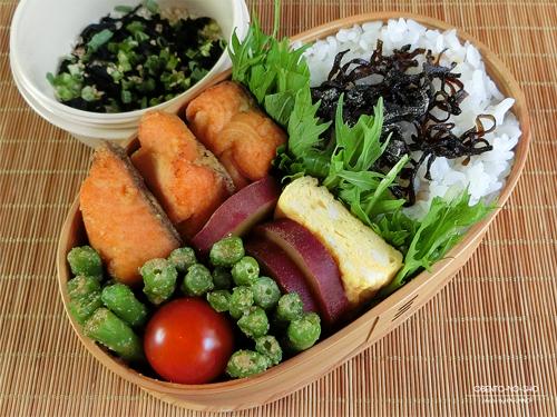 鮭のカレー風味揚げ弁当01