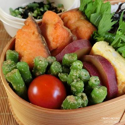 鮭のカレー風味揚げ弁当02