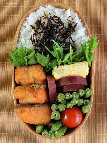 鮭のカレー風味揚げ弁当03