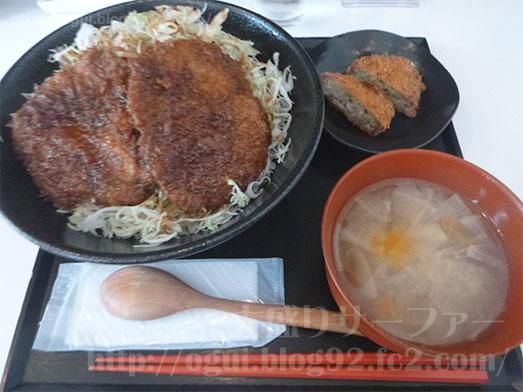 まるほ商店の絶品ソースカツ丼070