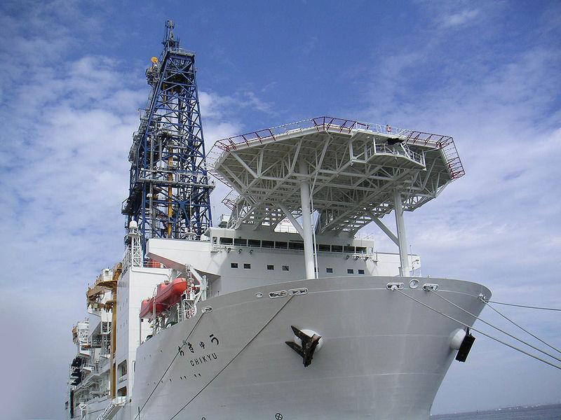 【ちきゅう号】静岡県御前崎沖で海底掘削に使う「長さ1400メートル」「重さ75トン」の「ドリルパイプ」が海へ落下