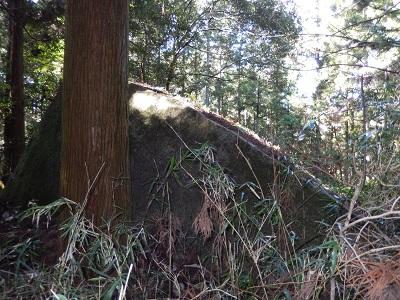 山添岩屋と桝形の間