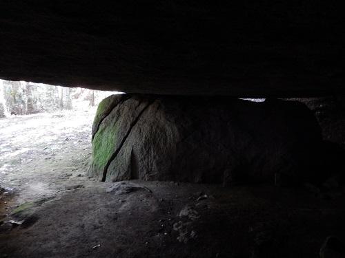 山添岩屋中から外