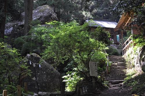 厳島神社境内1