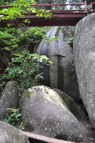 本殿巨石群5