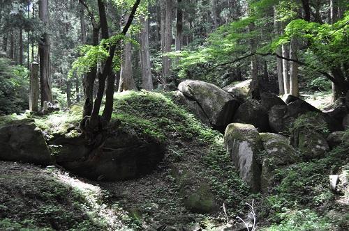 奥宮巨石群1