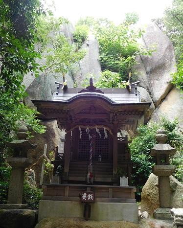 甑岩社と磐座