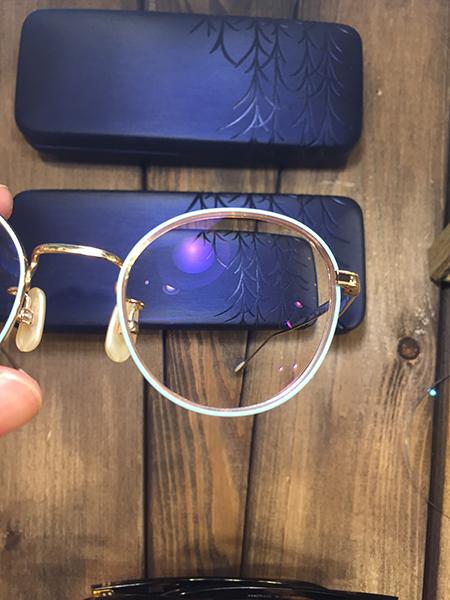 新潟 長岡 三条 柏崎 メガネ店 ブルーカット レンズ PC眼鏡 パソコンめがね ぎらつかない