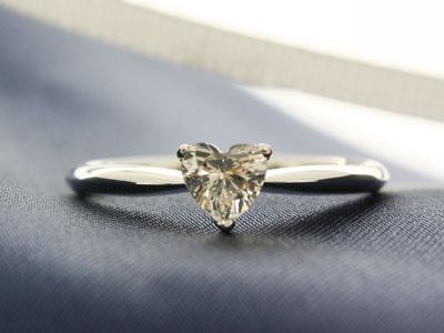 ハートダイヤモンド婚約指輪