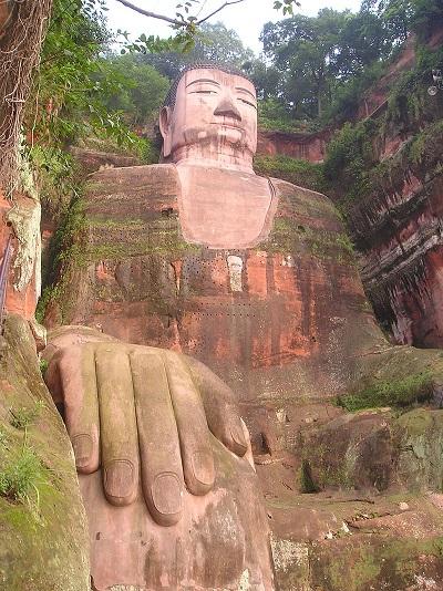 800px-Giant_Buddha.jpg