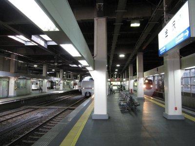 01金沢駅ホーム