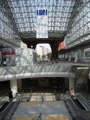 02金沢駅エントランス