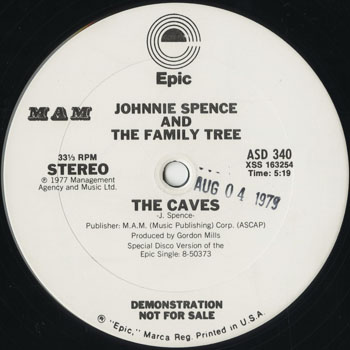 DG_JOHNNIE SPENCE AND THE FAMILY TREE_THE CAVES_201504