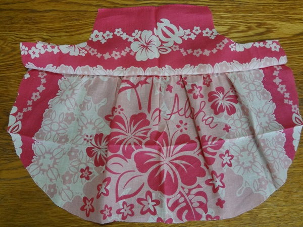 後ろ見頃とスカート部分縫い合わせ