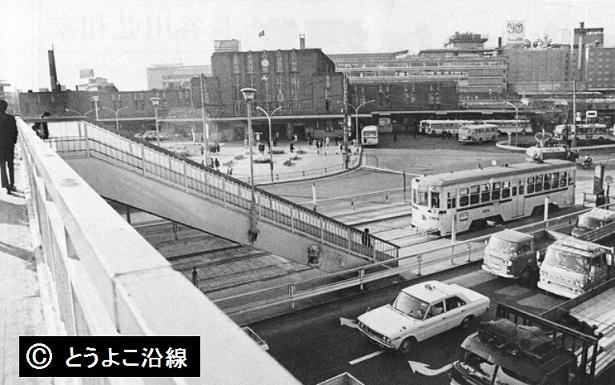 横浜市電(東口)