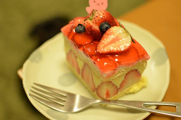 うるまの大好きなイチゴのケーキ