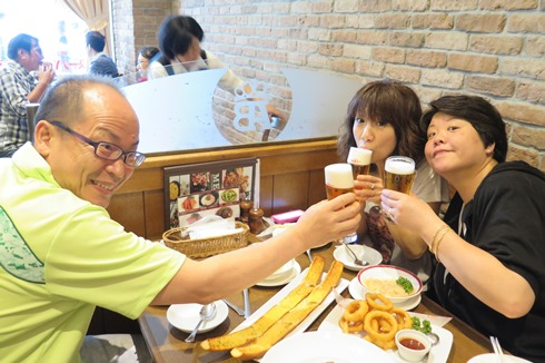 3)ビールで乾杯
