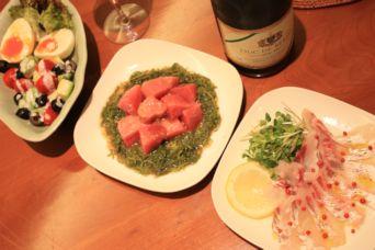 熟成中トロ昆布締め鯛とアボカドサラダ
