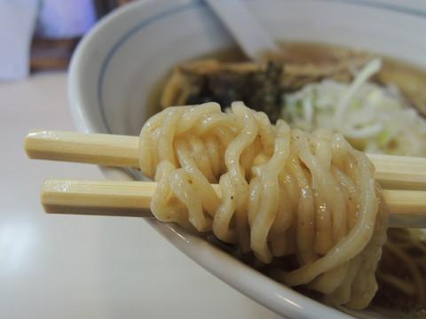 軍鶏そばの麺