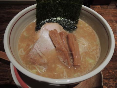 醤油麺コクにごり(細麺)(750円)
