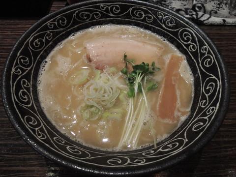 鶏塩らーめん(750円)