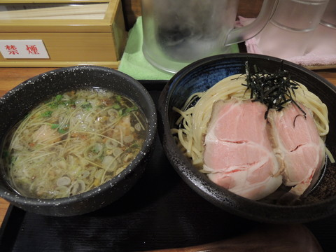 塩つけ麺(中盛300g)(926円)+かに油(100円)