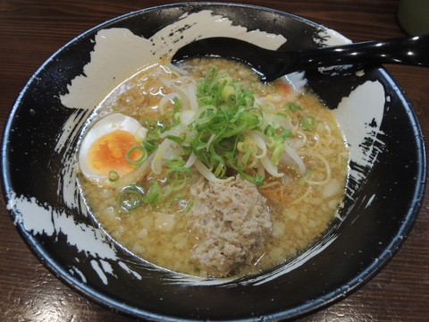 橋本黒ひねラーメン(780円)