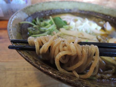 石臼挽き中華そばの麺