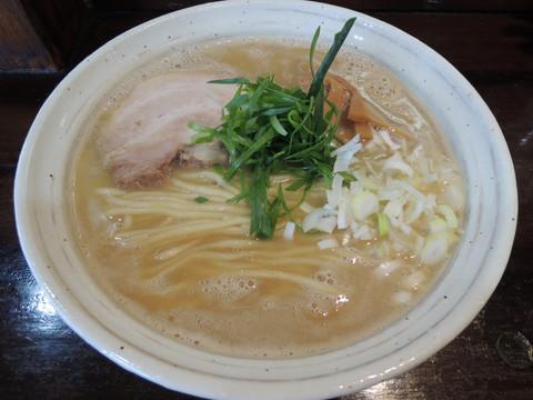 鶏麺しょうゆ(730円)