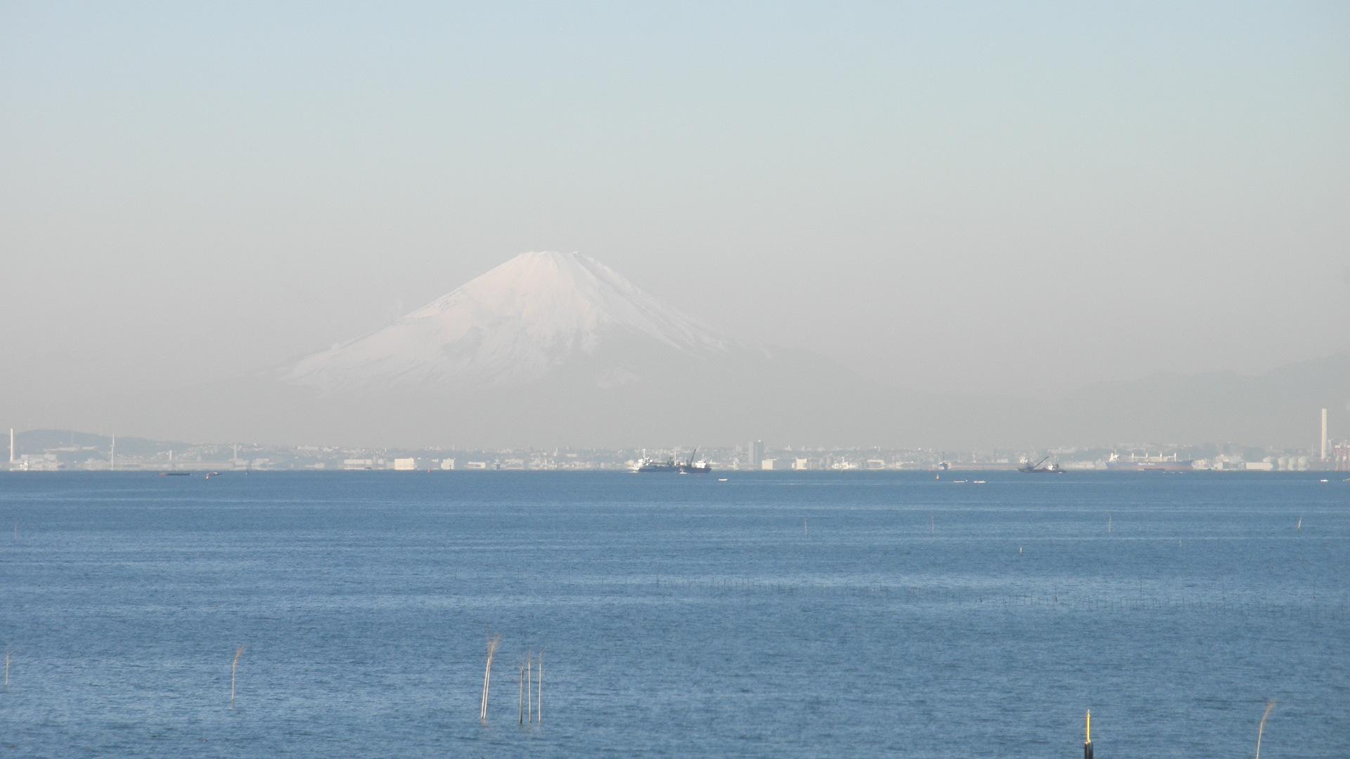 木更津港から見える富士山