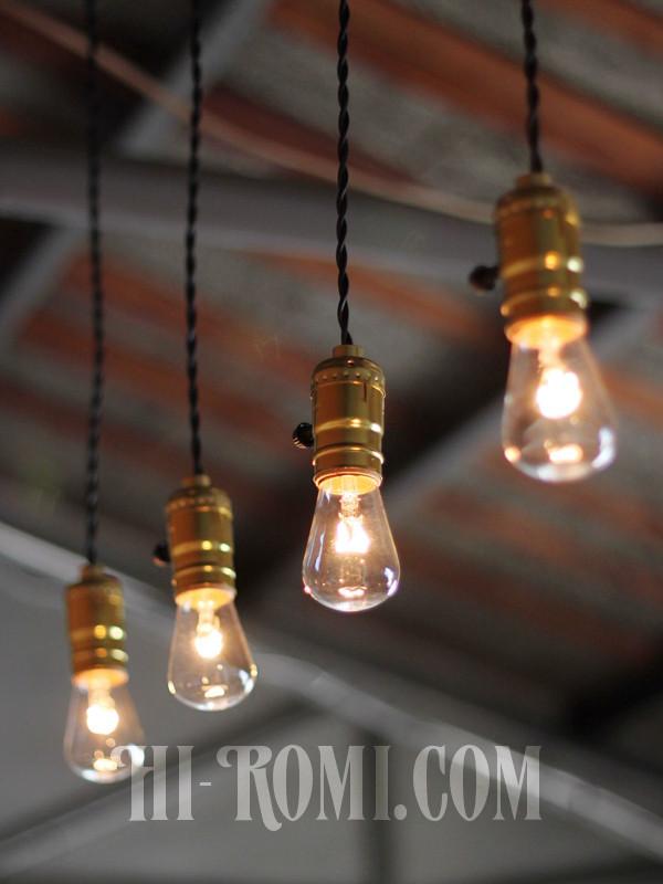 アルミ製ゴールドソケットLEVITON社製ランプ照明
