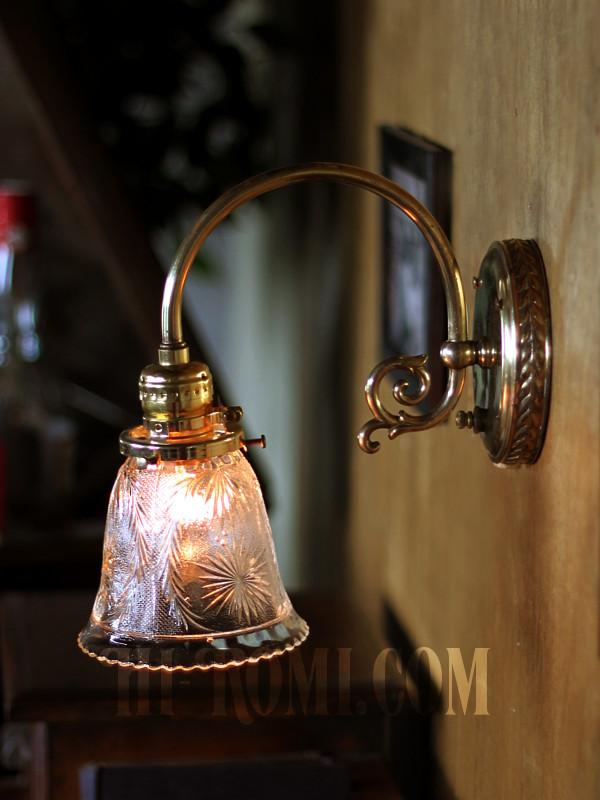 ヴィンテージコロニアルクリアガラス草花柄カットシェードブラケットランプ/ヴィクトリアン壁照明
