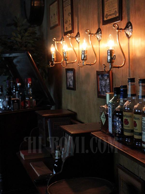 LEVITON社製真鍮ソケット付きコロニアルフォーリッジスクロールミニブラケットランプ唐草/アメリカンヴィクトリアン壁掛照明ウォールランプ